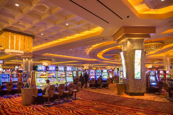 How To Earn Real Money Playing Slots?